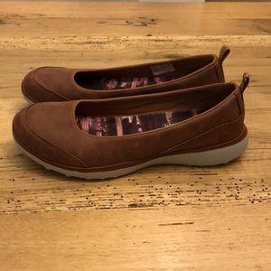 Sold Skechers 23336 Brown Slip